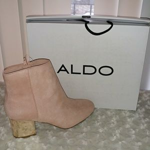 🆕Blush Pink Gold Square Heeled Ankle Booties
